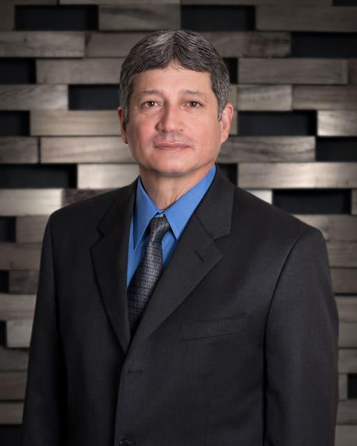 Dr. Diaz Headshot